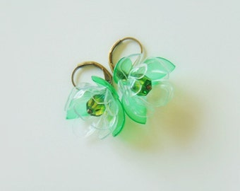 Eco earrings, eco friendly, eco friendly jewelry, flower earrings, upcycled jewelry, recycled plastic, nature jewelry, green,