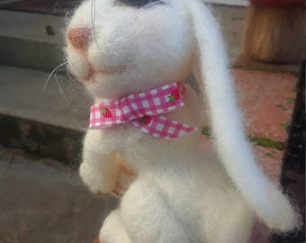 white bunny. Needle felted, OOAK bunny rabbit. Collectible needle felted wool bunny.