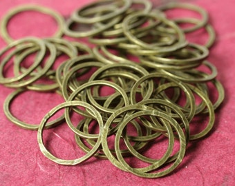 Hand hammered antique brass circular link aprox 14mm in diameter, 16 pcs (item ID FA00006ABK)