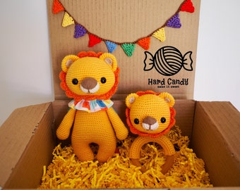 Personalised Crochet Baby Gift Set, Baby Shower gift set - Circus Lion Toy, amigurumi, Lion Wooden Teether, Lion Rattle