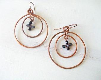 Hoop antique copper earrings, copper hammered, black beads