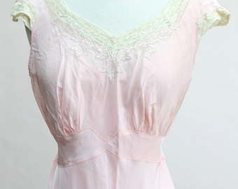 Vintage Pink Nightgown / Vintage 40s Pink Bias Cut Nightgown
