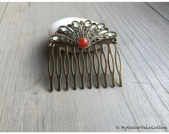 Fan comb with carnelian cabochon and white Opal Swarovski