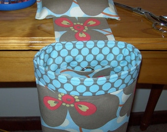 Scrap Caddy Thread Catcher With Rubberized Gripper Strip - Amy Butler Lotus Morning Glory With Blue Dot Liner