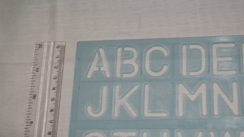 Alfabetos inglés Capital grandes letras y números plantilla ...