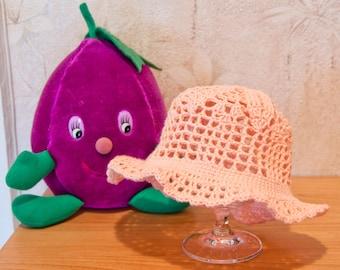 Handgehäckelte hat in Pink salmon