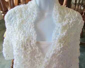 Crocheted white Shawl, Wrap, Wedding Shawl, Bridemaid Shawl, Gift for Women,