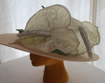 Jack McConnell Stunning Natural Straw Hat Red Feather Anthurium Sun Derby Church Easter Wedding