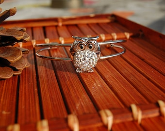 rhinestone OWL button bracelet
