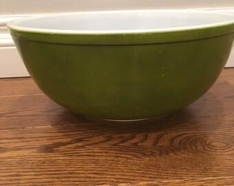 Pyrex Green Avocado 4 Quart Mixing  Bowl No 444