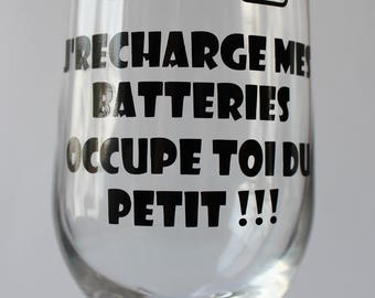Beer glass base with ' I recharge my batteries occupies you small!