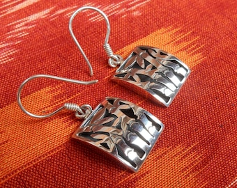 Balinese Sterling Silver Bamboo symbol Earrings / 1.50 inch long / silver 925 / Bamboo sign of long life / Bali Handmade Jewelry.