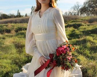 JUNE Vintage 1970's Wedding Gown Prairie Bridal Cream Boho Gunne Sax Dress