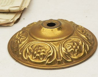 "Vintage Stamped Brass Chandelier Lamp Cap Lamp Parts 4-3/8""W"