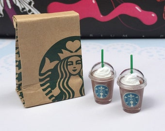 Miniature Starbucks Paper Bag and 2 pcs Ice Starbucks Chocolate,Miniature coffee cup Starbucks,Miniature Chocolate,Dollhouse Starbucks