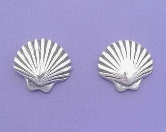 CLAM Shell EARRINGS, Scallop Seashell, Post Stud .925 Sterling Silver - se612