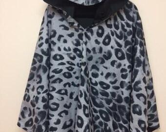 NEW!  Reversible Leopard/Black Ponella