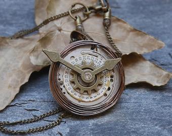 Steampunk necklace, watch mecanism pendant, watch necklace, steampunk watch