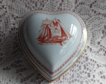 Spode Trade winds Red Trinket Box