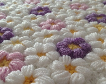 crochet baby flower blanket, baby girl blanket, flower blanket