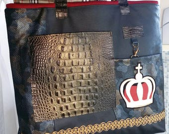 Leather bag with leather handles red lining
