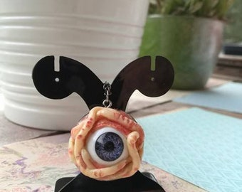 Lovecraftian eye pendant