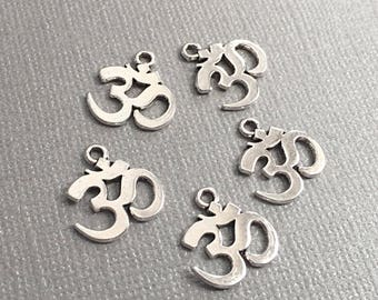 10 OM Charms, Yoga OM Charm, Healing Charms, 15mm, SP100