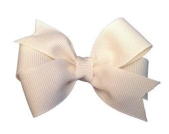 Ivory hair bow - hair bows, hair bow, bows, hair bows for girls, baby bows, baby hair bows, girls hair bows, toddler hair bows, hairbows
