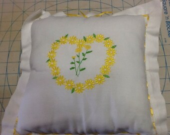 Sale!! Daisy Embroiderred Pillow