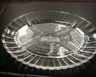 Vintage Oval Glass Relish Dish / Nut Dish / Divided Dish / 1950's