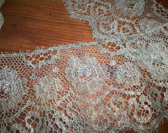 """26"""" metal and silk lace silver"""