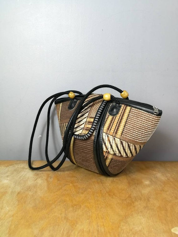 90s straw folk bag / vintage  summer purse / boho straw bag / quirky straw bag / 90s hippie handbag / holiday purse