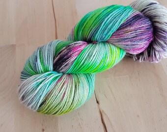 "Hand dyed merino silk extrafine yarn Silk-Rose Base 100g/400m ""Skating at the pool 2""  superwash fingeringweight handgefärbte Wolle / Garn"