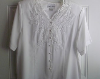 White Short Sleeve Blouse by Apparenza, Size Large