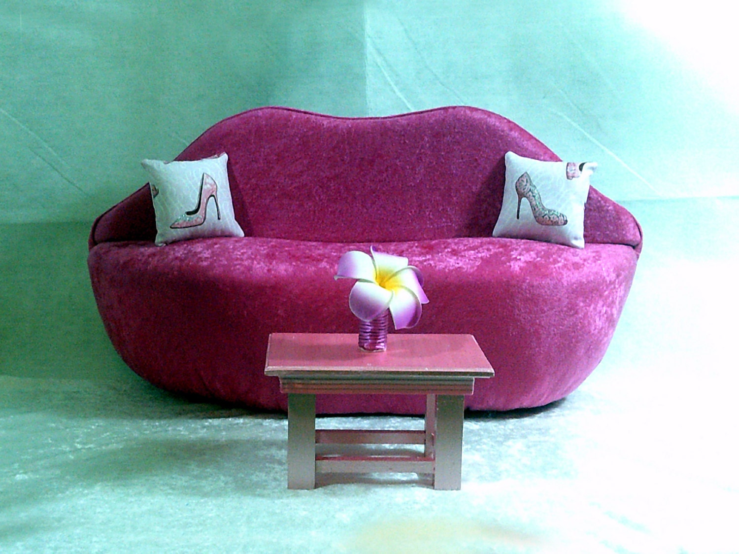 AG Doll Furniture Pink Velvet Lip Sofa