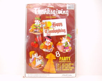 Vintage Thanksgiving Party Decorations Honeycomb Tissue Corn Pumpkins Pilgrims Printed Cutouts