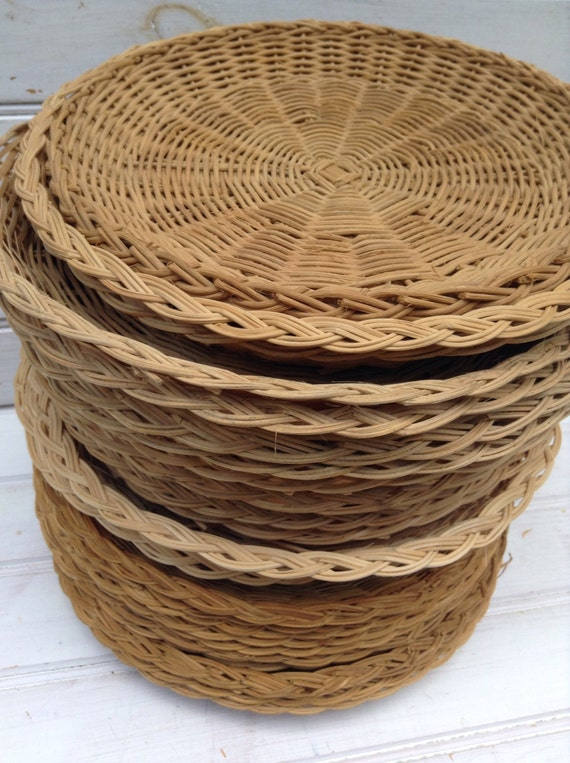 Wicker Plate Holders Woven Wicker Paper Plate Holders Vintage Picnic Supplies Boho Dishware Rattan Retro Summer Outdoor Dining & Wicker Plate Holders Woven Wicker Paper Plate Holders