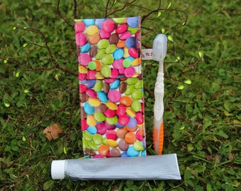 "Case for toothbrush and toothpaste in oilcloth ""Smarties"" pattern, fully lined - handmade"