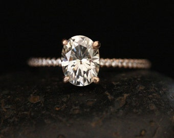 Brilliant Oval Moissanite and Diamond Ring Engagement Ring in 14k Rose Gold with Moissanite 8x6mm and Diamonds