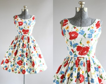 Vintage 1950s Dress / 50s Cotton Dress / Jonathan Logan Red and Blue Floral Cotton Pique Sun Dress XS/S