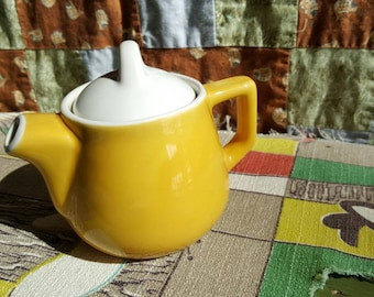 Small Vintage Individual Yellow and White Pottery Teapot 4 inches  D237