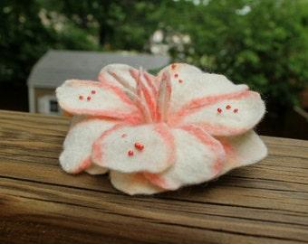Felt flower brooch, hair clip, wet-felted white begonia