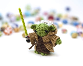 Yoda / Star Wars / Crochet / Amigurumi / Plushie / Miniature / READY TO SHIP