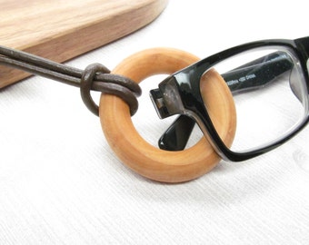 Leather and Wood Eyeglasses Holder Necklace; Glasses Cord; Eyeglass Chain; Reading Glasses Chain; Leather glasses chain for men; kalxdesigns