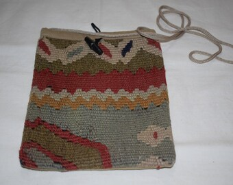 Crossbody bag kilim bag 10x8 inches handwoven bag Kilim handmade bag Handbag Ethnic bag Vintage kilim bag decorative bag