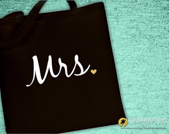Custom tote bags / Custom Mrs. Tote bag / Glitter gold heart Mrs. Tote bag / Custom designs / Gift ideas / Bachelorette Party tote bags