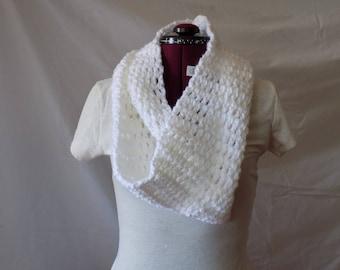 Crochet Infinity Scarf (white - 1 loop)