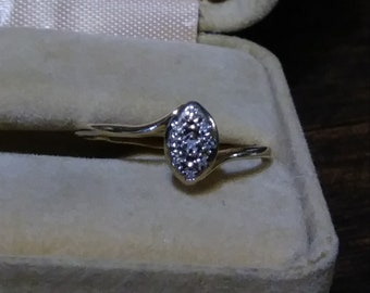 10kt Gold Two-Tone Gold Ring With Small Diamond Accents Vintage or Vintage Inspired