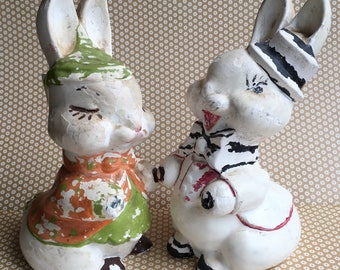 Pair of Rabbit Chalkware Carnival Prize Figurines / Boy and Girl Bunny / Plaster of Paris / Easter Decor / Primitives