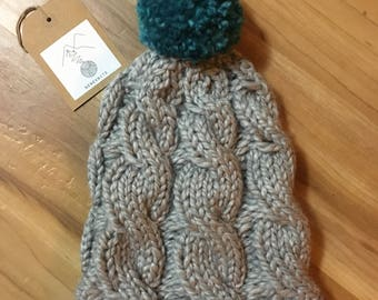 Linked Turns: knit hat (light gray & teal)
